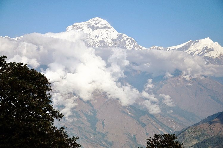 Ghorepani_poon_hill_trekking_in_nepal_(2).jpg