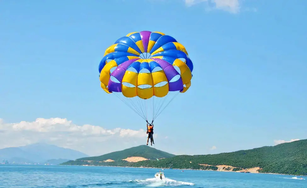 1585136240_1542436191_parasailing-3.jpg.webp