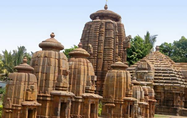 1463054265_mukteswar_temple_1.jpg