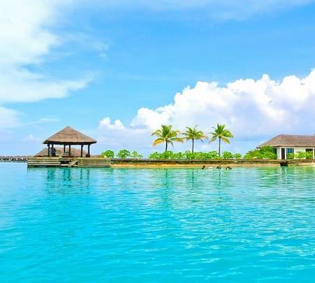 Maldives Honeymoon Tour: an Album of Romantic Stories