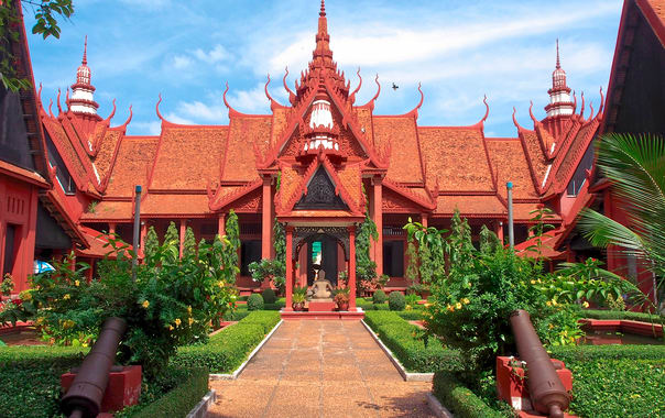 1462445419_national_museum_of_cambodia_(12105397755).jpg