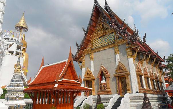 1462801843_thai_buddhist_temple.jpg