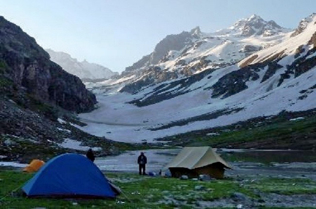 Chandratal_lake_trek_over_hampta_pass_4.jpg