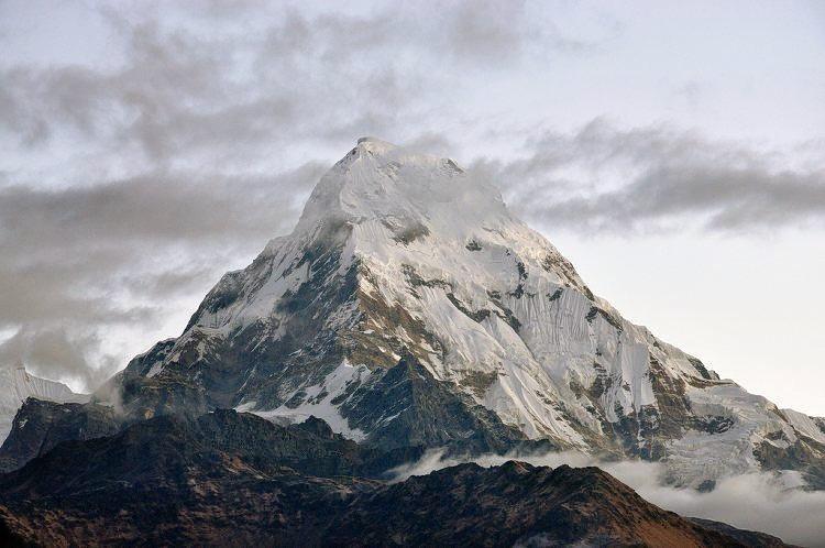 Ghorepani_poon_hill_trekking_in_nepal_(1).jpg