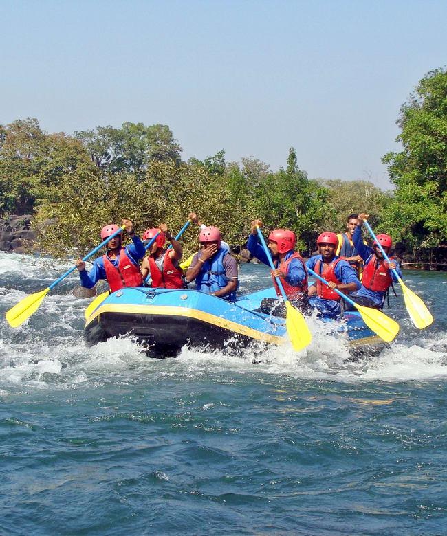 1522665363_dandeli_river_rafting.jpg