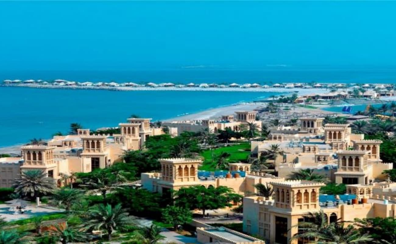 Ras al khaimah city tour from dubai thrillophilia for Home wallpaper uae