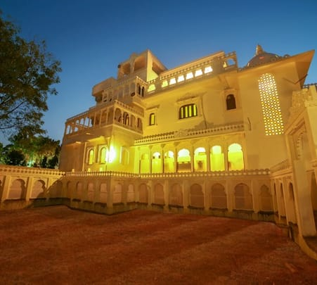 Stay in a Resort in Udaipur
