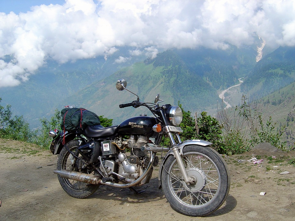 1487148113_pilgrimage-on-royal-enfield-1437136_960_720.jpg