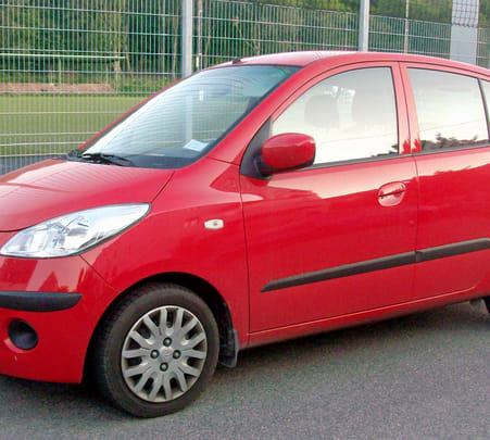 Rent a Hyundai I10 in Delhi