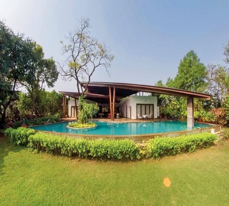 Couple Villa with Pool in Alibaug