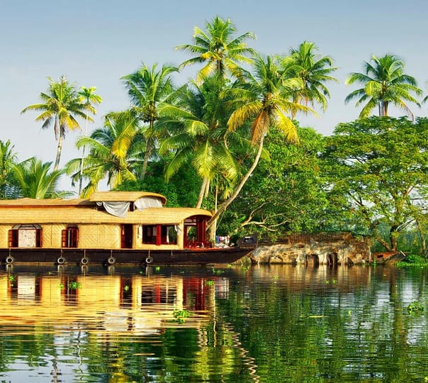 Wonders of Kerala - Fly & Stay Ex. Delhi