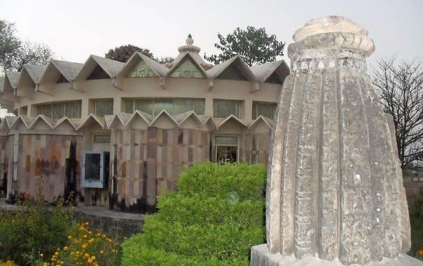 1280px-jain_museum_2c_khajuraho_india.jpg