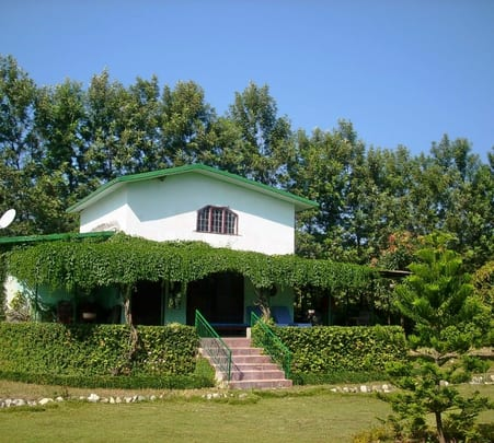 Stay at Shinura Nature Retreat, Dehradun