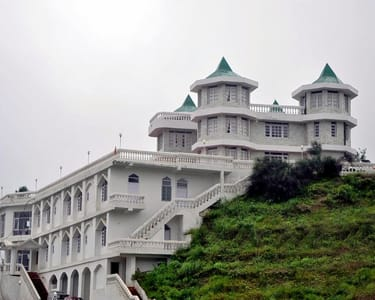 Hilltop Homestay with Nature Walk, Shimla