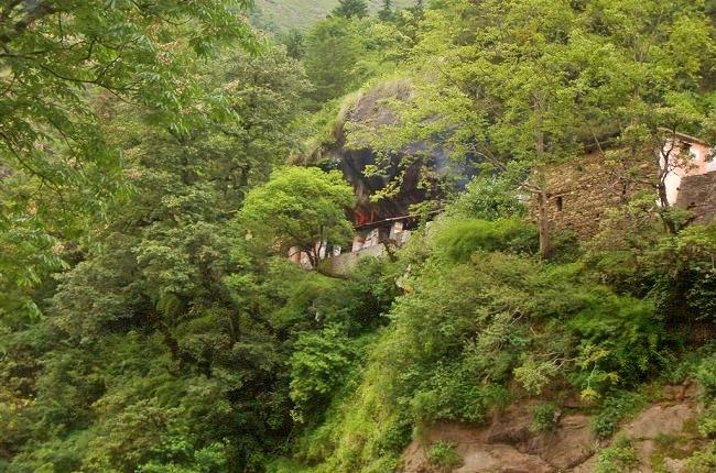 Kalpeshwaar-rudranath-tunganath_4.jpg
