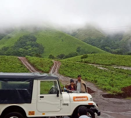 Sightseeing in Jeep in Thekkady, Kerala
