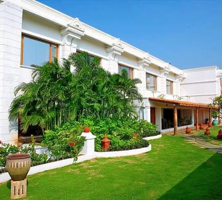 Day Out at Chariot Beach Resort, Chennai Flat 35% Off