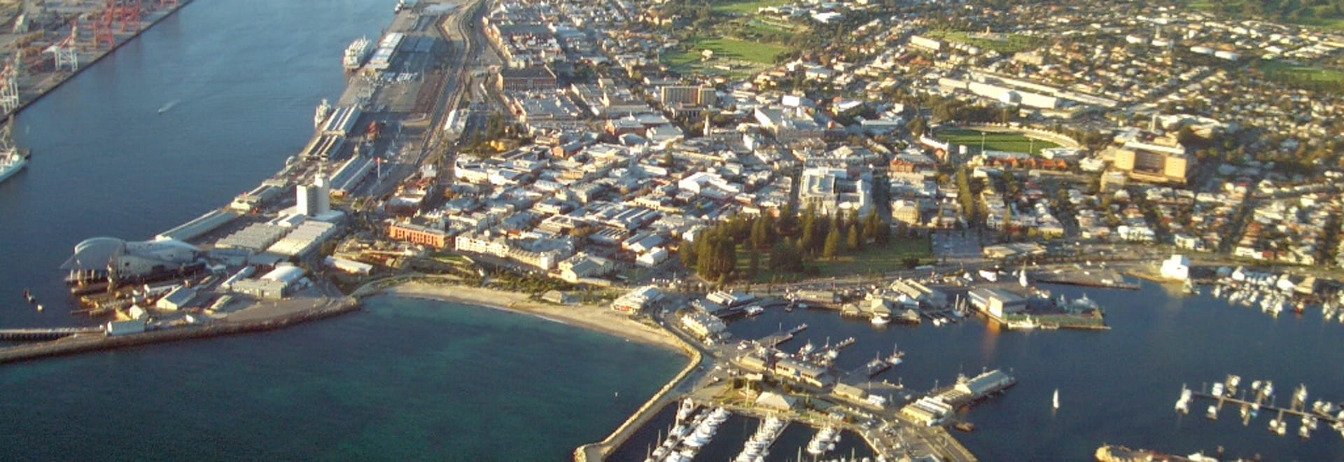 1492069838_aerial_view_of_fremantle.jpg
