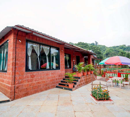 Farmhouse Amidst Nature, Mahabaleshwar Flat 20% off