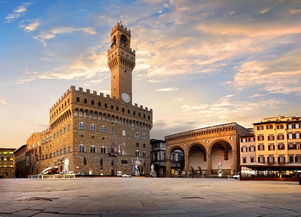 1592808832_europe_piazza_della_signoria.jpg