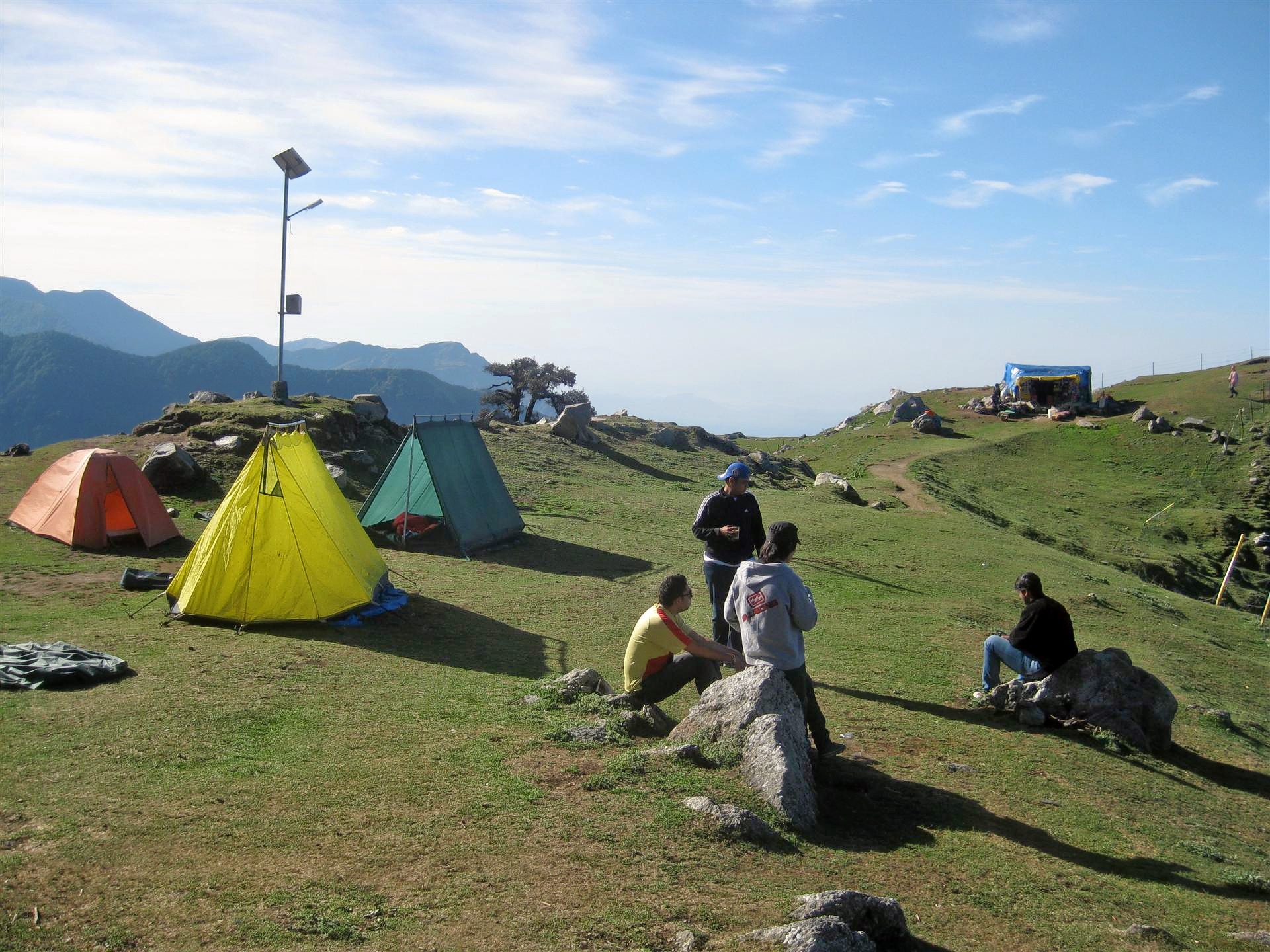 1524209880_camping_site_at_triund__2816260095996_29.jpg