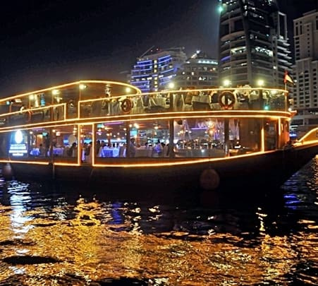 Dhow 4 Star Dinner Cruise in Dubai Marina