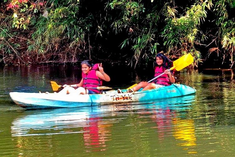 Canoeing_97.jpg