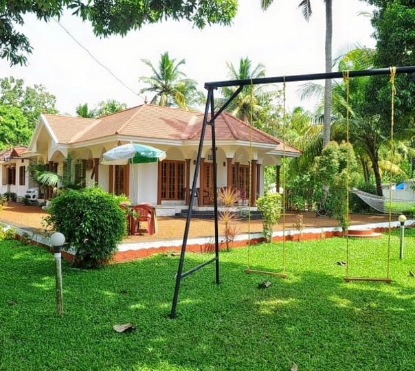 Stay at Coconut Creek Home Stay