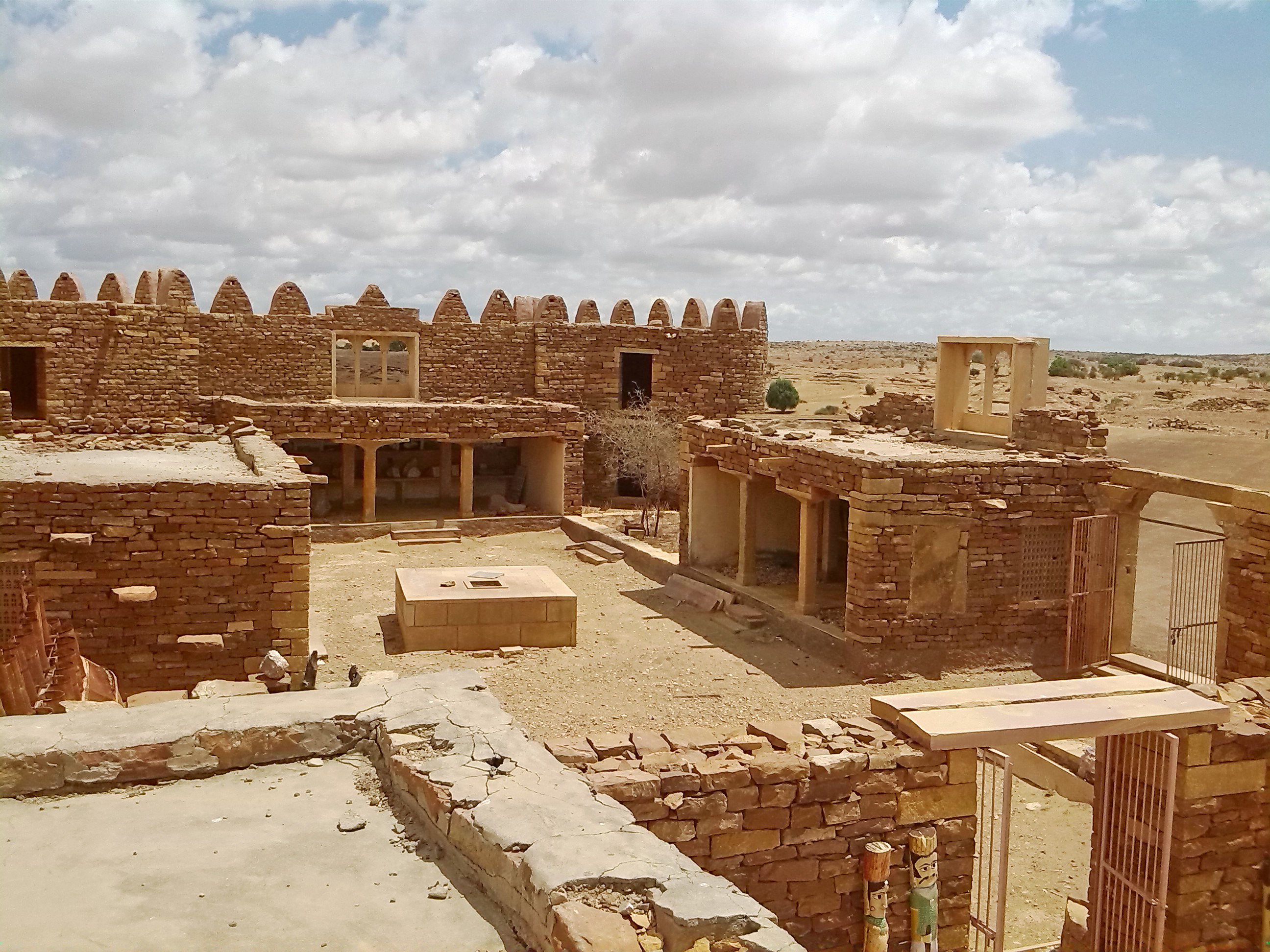 1511335898_ruins-of-khaba-fort-converted-into-a-museum.jpg