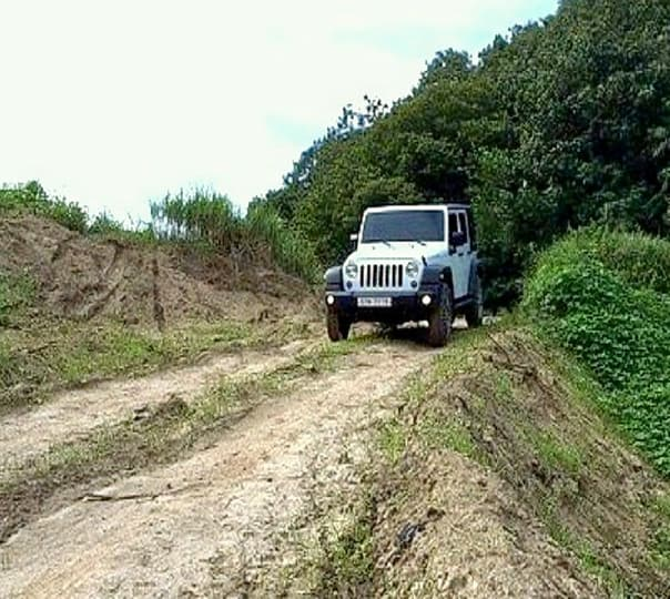 Jeep Safari at Rumsu in Manali