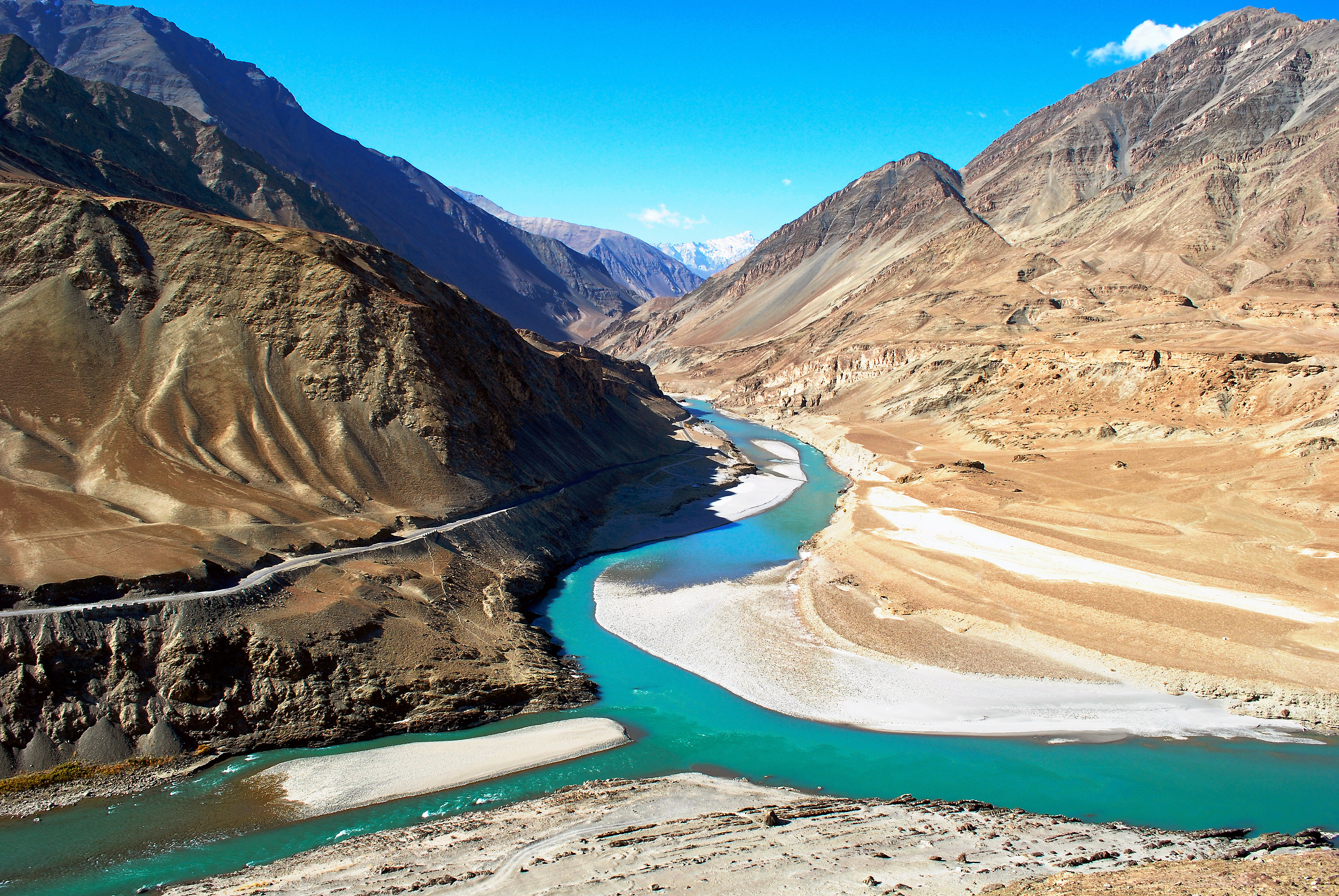 1519613070_13-10-08_217_confluence_of_indus_river_n.jpg