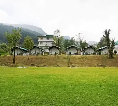 Camp Stay Surrounding Mountain Peaks in Manali