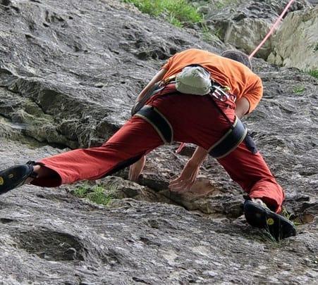 Free Hand Climbing In Munnar