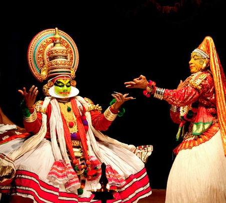 Enjoy Kathakali in Munnar