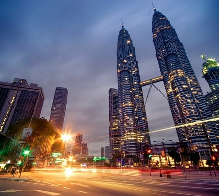 Holiday Tour of Singapore and Malaysia For 7 Days (flight Included)