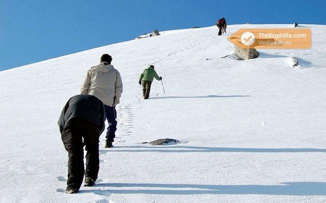 M_auli_and_gurson_snow_trek_3.jpg