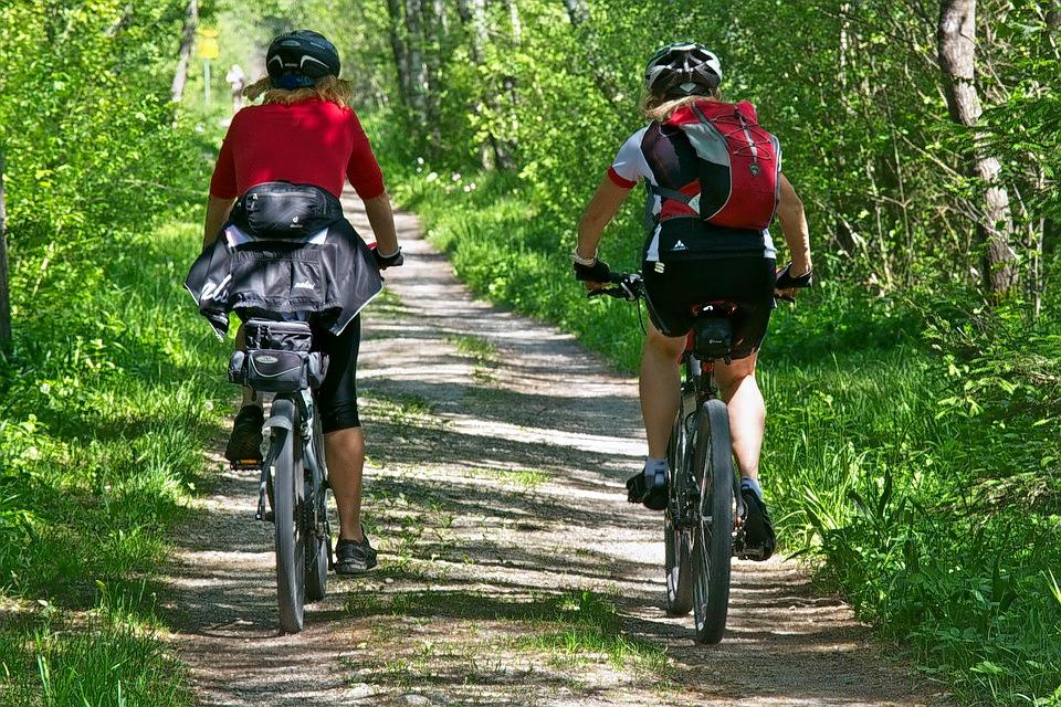 1526635478_cycling-2520007_960_720.jpg