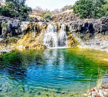 Trek to Bamniya Kund Waterfall
