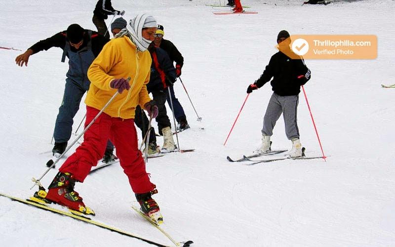 Skiing_auli_(1).jpg