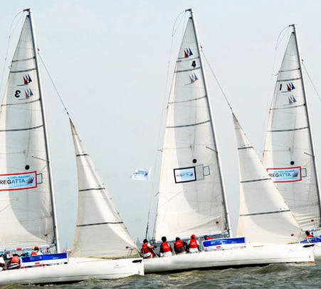 Experience Sailing in Mumbai