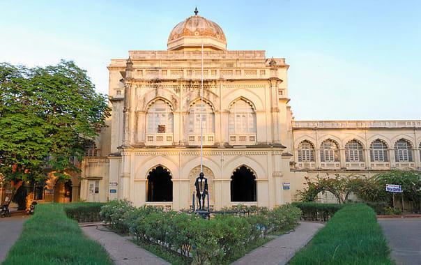 1549101874_1200px-gandhi_museum_madurai.jpg