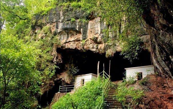 Kavala-caves.jpg