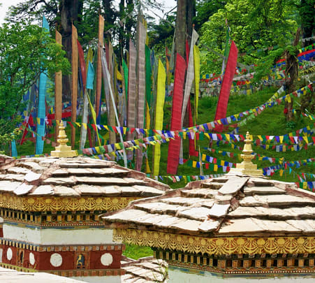 7 Days Bhutan Tour with Dochu La Pass