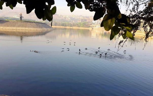 1524424093_katraj_lake.jpg