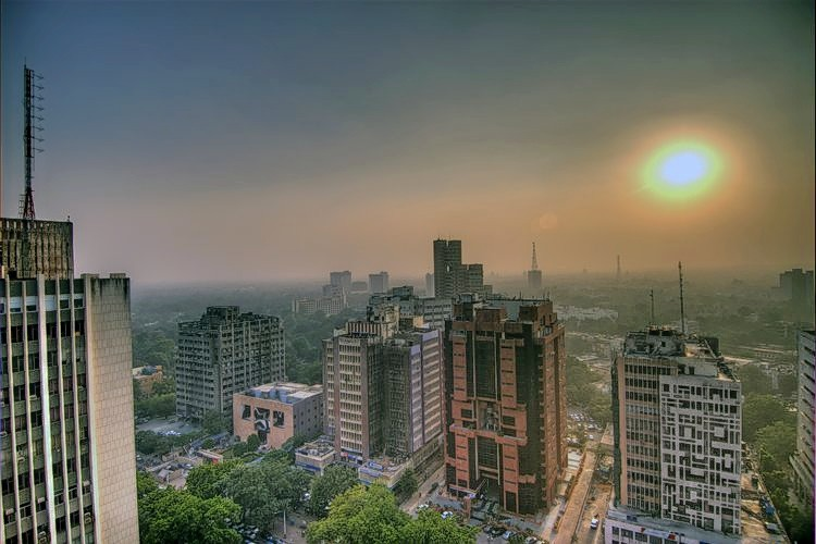 M_smog_in_the_skies_of_delhi__india.jpg