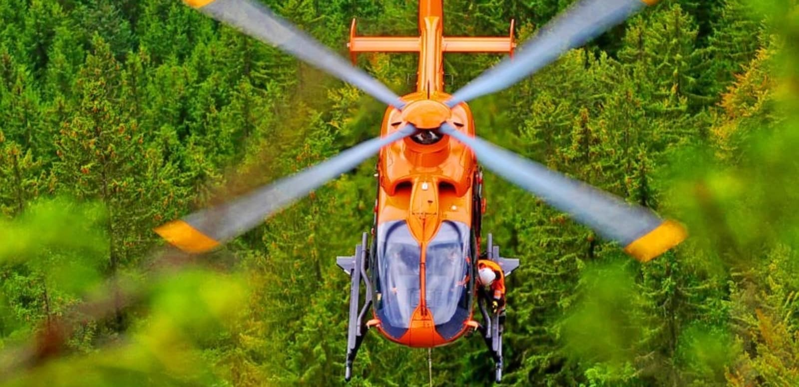 1465041254_eurocopter-becomes-turkey%e2%80%99s-preferred-supplier-of-air-ambulance-helicopters-with-an-order-for-17-ec135-aircraft-for-thk-go%cc%88kc%cc%a7en-aviation-830x554.jpg