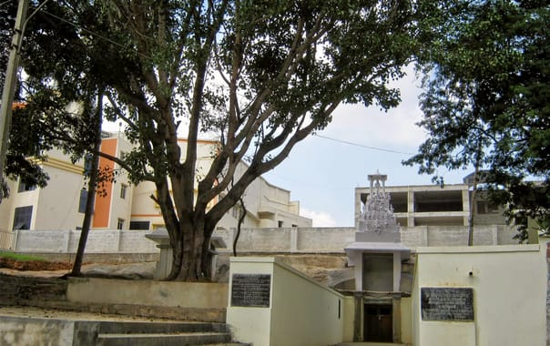 1562761712_sri_ramalingeshwara_temple_.jpg