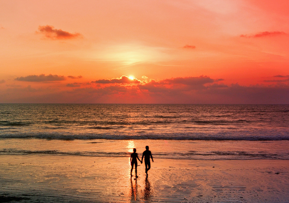 1537344309_couple_during_sunset_in_andaman.jpg