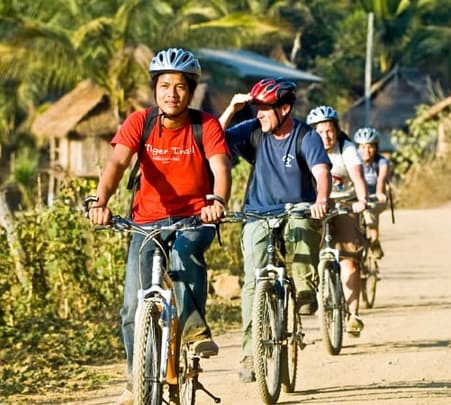 Half Day Veintiane Cycling Tour at Laos
