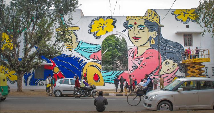 1587205338_lady_aiko_st_art_delhi.png